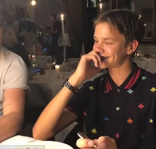 Chẳng ai sướng như các con nhà Beckham: Tuần trước đi Bali, tuần này lại du lịch Pháp mừng sinh nhật - Ảnh 1.
