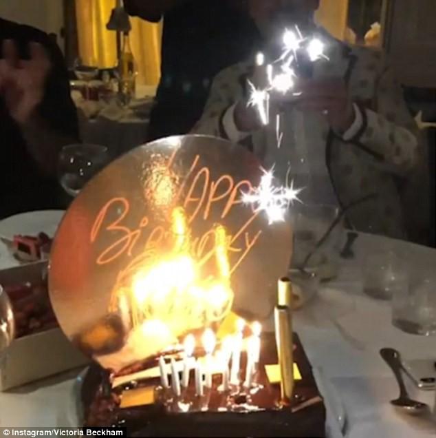 Chẳng ai sướng như các con nhà Beckham: Tuần trước đi Bali, tuần này lại du lịch Pháp mừng sinh nhật - Ảnh 2.