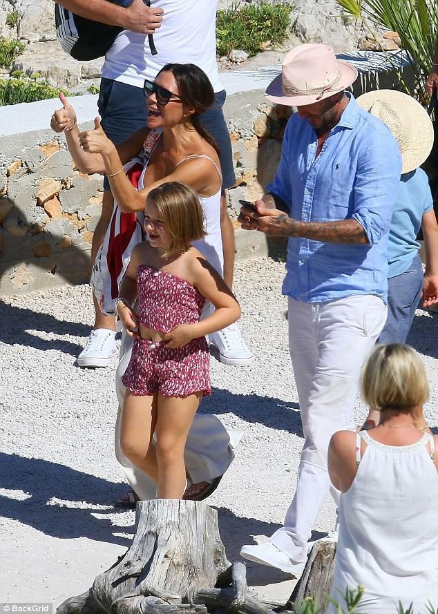 Chẳng ai sướng như các con nhà Beckham: Tuần trước đi Bali, tuần này lại du lịch Pháp mừng sinh nhật - Ảnh 3.