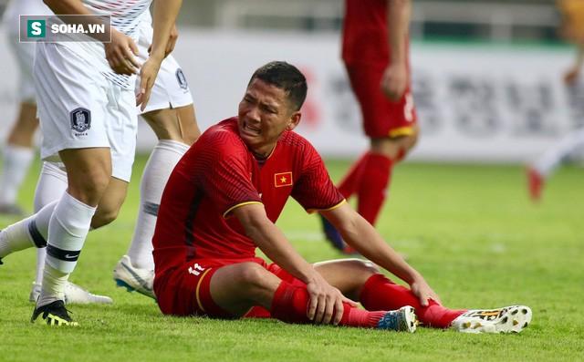 Bàn tay nắm chặt của Văn Quyết và những biểu cảm khiến CĐV nhớ mãi về U23 Việt Nam - Ảnh 9.