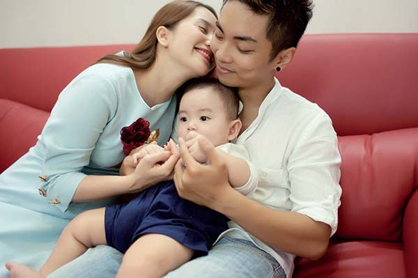 Lý do Khánh Thi, Cát Phượng bị đồn ly hôn với chồng kém 12 tới 18 tuổi - Ảnh 2.