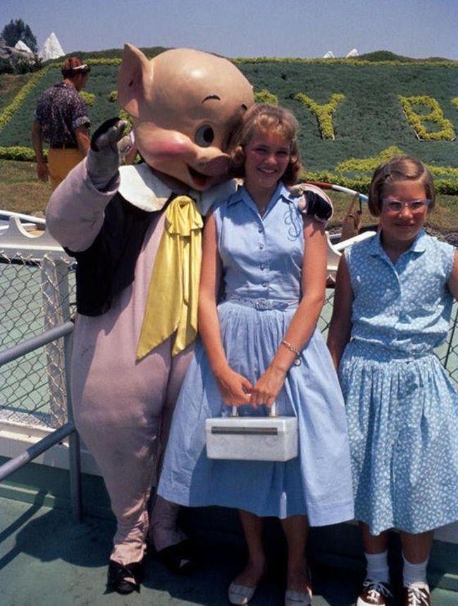 Những hình ảnh chứng minh ngày xưa Disneyland là chỗ để hù dọa trẻ con khóc thét chứ chẳng phải chốn thần tiên hạnh phúc gì - Ảnh 13.