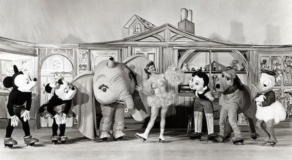 Những hình ảnh chứng minh ngày xưa Disneyland là chỗ để hù dọa trẻ con khóc thét chứ chẳng phải chốn thần tiên hạnh phúc gì - Ảnh 16.