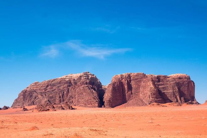 Chiêm ngưỡng vẻ choáng ngợp của sa mạc từng xuất hiện trong các cảnh phim Star Wars và The Martian - Ảnh 20.