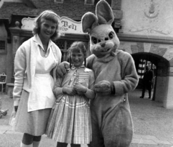 Những hình ảnh chứng minh ngày xưa Disneyland là chỗ để hù dọa trẻ con khóc thét chứ chẳng phải chốn thần tiên hạnh phúc gì - Ảnh 23.