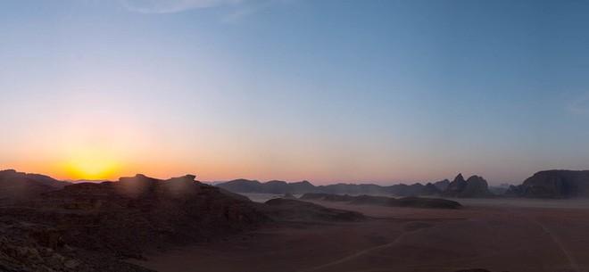 Chiêm ngưỡng vẻ choáng ngợp của sa mạc từng xuất hiện trong các cảnh phim Star Wars và The Martian - Ảnh 4.