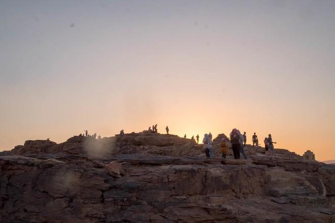 Chiêm ngưỡng vẻ choáng ngợp của sa mạc từng xuất hiện trong các cảnh phim Star Wars và The Martian - Ảnh 5.