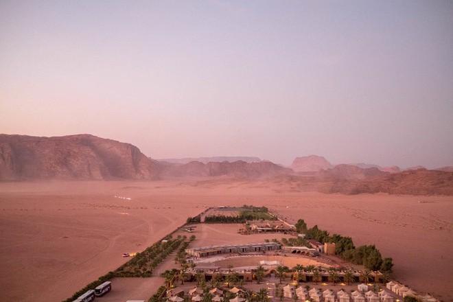 Chiêm ngưỡng vẻ choáng ngợp của sa mạc từng xuất hiện trong các cảnh phim Star Wars và The Martian - Ảnh 6.