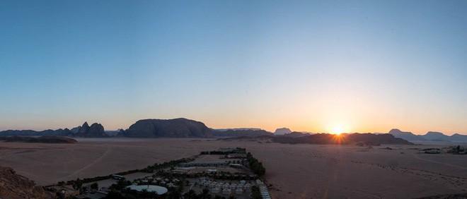 Chiêm ngưỡng vẻ choáng ngợp của sa mạc từng xuất hiện trong các cảnh phim Star Wars và The Martian - Ảnh 9.
