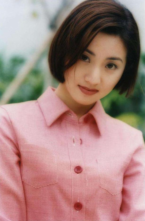 Mỹ nhân TVB ít tên tuổi đổi đời nhờ mối quan hệ đặc biệt với trùm xã hội đen - Ảnh 1.
