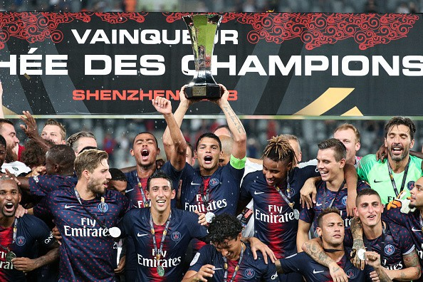 Hủy diệt Monaco trong trận Siêu cúp Pháp, Neymar cùng đồng đội đột kích phòng họp báo và tưới bia lên đầu HLV Tuchel - Ảnh 3.