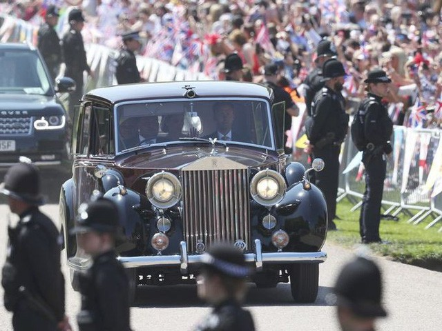 Hoàng gia Anh rao phân phối bộ sưu tập siêu xe hãng Rolls-Royce đắt giá - Ảnh 7.