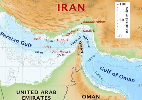 Kết cục thảm khốc nếu Iran đóng cửa Eo biển Hormuz đáp trả đòn của Mỹ - Ảnh 1.