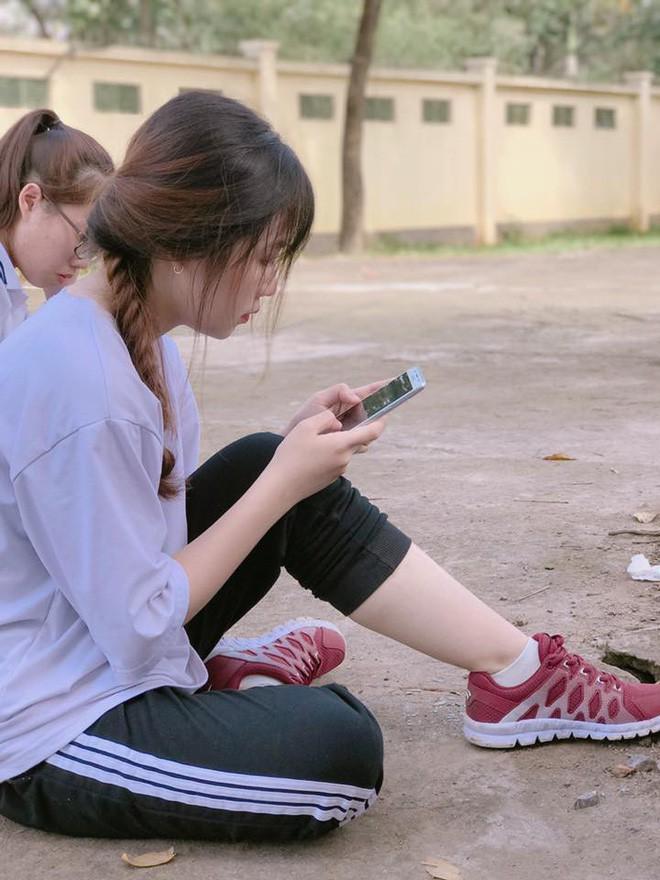 Chỉ một bức ảnh chụp trộm cô bạn phục vụ, hàng loạt thanh niên đòi cắm chốt xin Facebook bằng được - Ảnh 5.