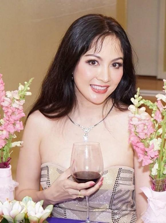 Bảy Hoa hậu Việt Nam từ Bùi Bích Phương đến Phan Thu Ngân: Người hồng nhan bạc tỉ, kẻ oan trái thị phi - Ảnh 10.