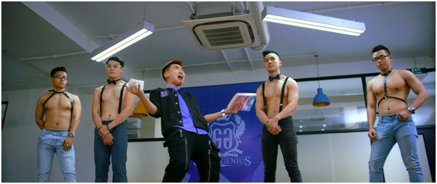 Trường Học Bá Vương đạo nhái phim Châu Tinh Trì, để lọt nhiều sạn ngớ ngẩn? - Ảnh 7.