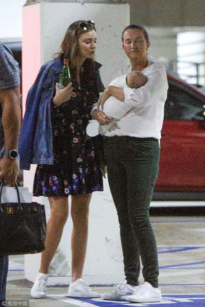 """Khoe nhan sắc và vóc dáng """"đẹp từng milimet"""", ai tin Miranda Kerr chỉ vừa mới sinh con được 3 tháng? - Ảnh 9."""