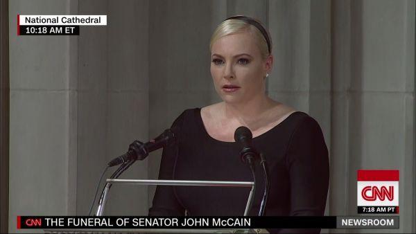 Con gái TNS John McCain ngầm chỉ trích ông Trump trong điếu văn tang cha - Ảnh 1.