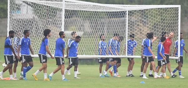 HLV UAE hé lộ tham vọng lớn trước trận đấu với U23 Việt Nam - Ảnh 1.