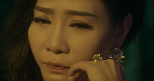 Thu Minh khóc khi hát ca khúc ballad mới - Ảnh 3.