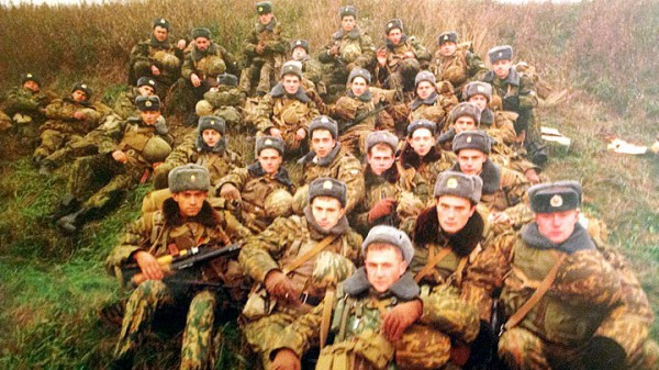 Những chiến binh bất tử của lính dù Nga: 430 người chặn đứng 200 xe tăng, 20.000 quân Đức - Ảnh 4.