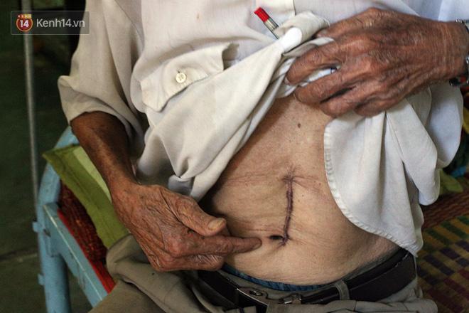 Câu chuyện đáng thương phía sau bức ảnh cụ ông ở Đà Nẵng cứ 20 giờ là tới siêu thị mua cơm thanh lý 10.000 đồng - Ảnh 5.