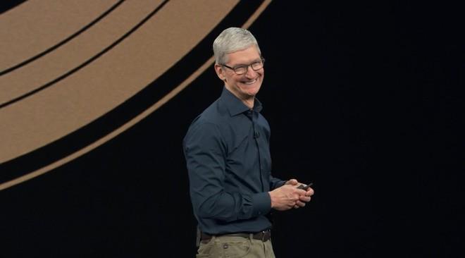 Apple mở màn sự kiện lớn nhất trong năm bằng phong cách Mission: Impossible khiến cả khán phòng cười ngả nghiêng - Ảnh 1.