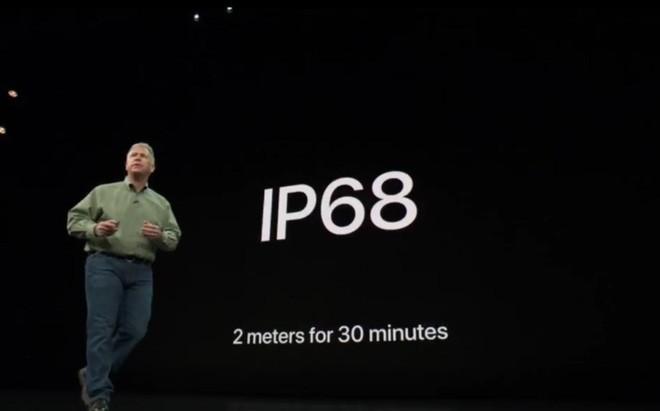 Chưa năm nào Apple lại khoe khả năng kháng nước của iPhone nhiều như năm nay - Ảnh 3.