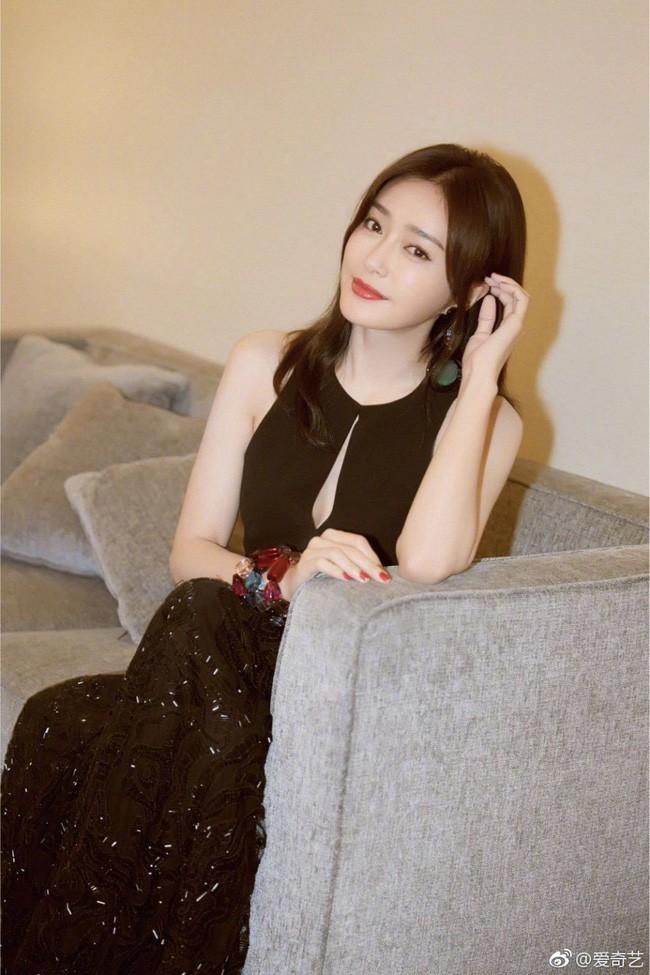Tần Lam quyến rũ đến mức Thái Trác Nghiên phải phát cuồng: Hoàng hậu quá xinh, quá thơm, là con trai nhất định sẽ theo đuổi - Ảnh 4.