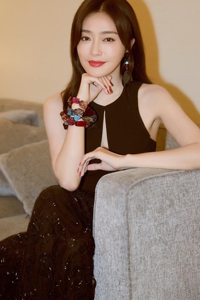 Tần Lam quyến rũ đến mức Thái Trác Nghiên phải phát cuồng: Hoàng hậu quá xinh, quá thơm, là con trai nhất định sẽ theo đuổi - Ảnh 9.