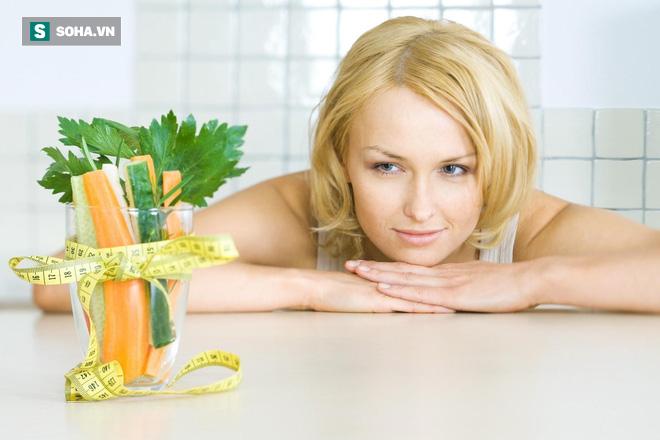 Cắt xén cơm, thịt để giảm cân: 5 hệ lụy nguy hiểm mà bạn phải đối mặt nếu áp dụng sai - Ảnh 1.