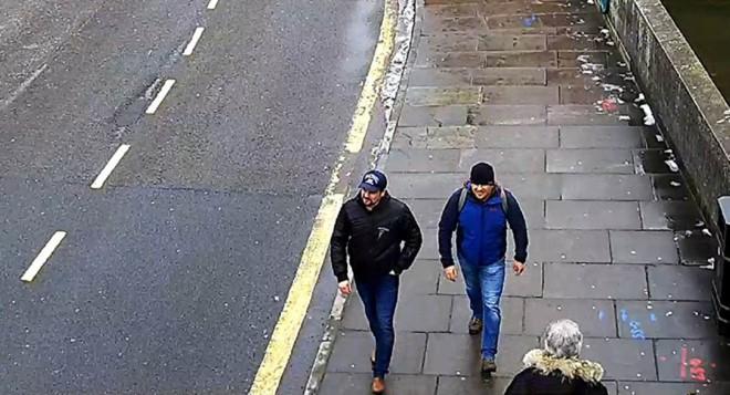 Bất ngờ tình tiết hộ chiếu sau phỏng vấn nghi phạm đầu độc điệp viên Nga - Ảnh 2.