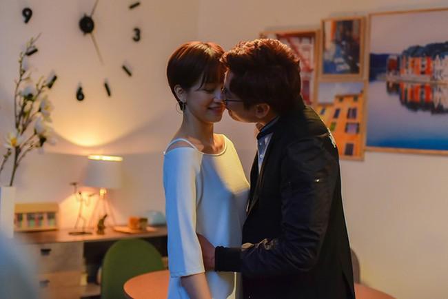 Trong khi An Nguy khóc lóc xác nhận yêu Kiều Minh Tuấn, cư dân mạng đã tố cáo chuyện nữ diễn viên đã có người yêu bên Mỹ - Ảnh 1.