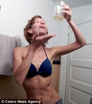Uống... nước tiểu của mình để giảm cân thần tốc và làm đẹp da: Hãy nghe giáo sư giải thích - Ảnh 2.