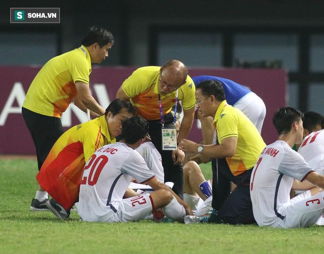 Pha bẻ còi khó tin của trọng tài V.League và nước mắt HLV Park Hang-seo - Ảnh 2.