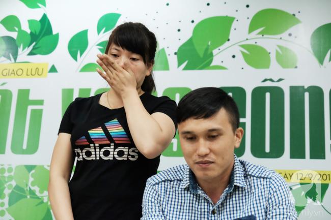 Khao khát làm mẹ cháy bỏng của cô gái Phú Thọ cãi lời cha để vào Nam lấy anh chồng không đi đứng được - Ảnh 1.