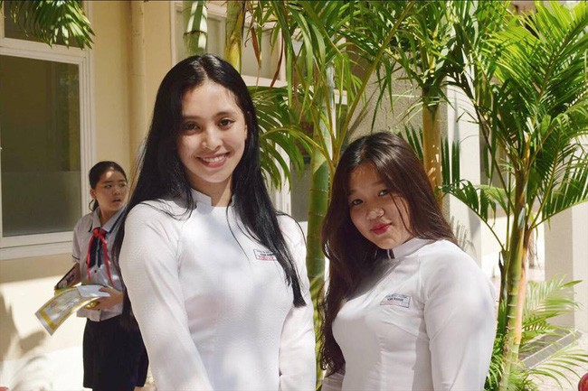Mẹ là chủ spa có tiếng nhưng Tân Hoa hậu Việt Nam lại chỉ học ở một trường cấp 3 bình dân tại TP.HCM - Ảnh 2.