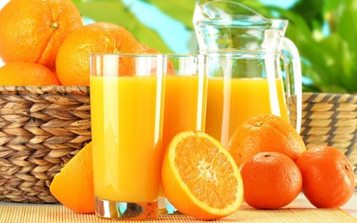 Có nên uống thuốc với nước trái cây? - Ảnh 1.