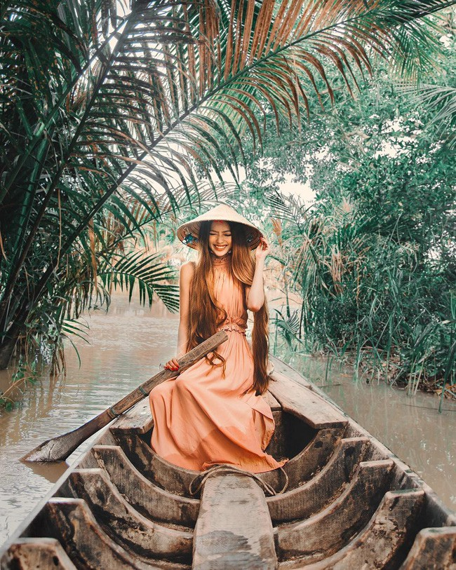 Công chúa tóc mây gốc Việt khoe ảnh du lịch toàn địa danh nổi tiếng ở Việt Nam, người thì xinh mà cảnh đẹp mê ly - Ảnh 8.