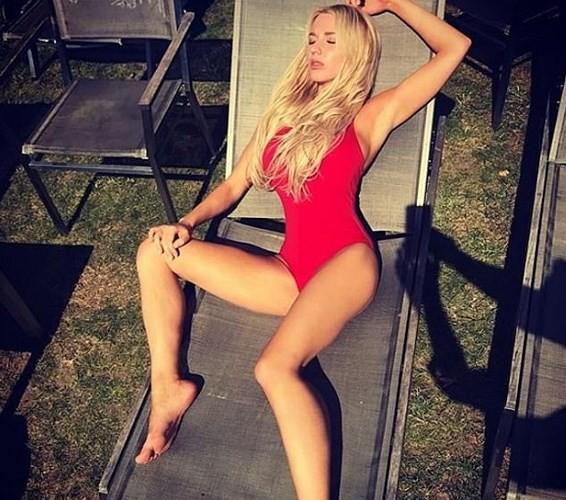 Ảnh: Cô người mẫu nóng bỏng Shapiro tố bị tình báo Nga đầu độc ở Anh - Ảnh 3.