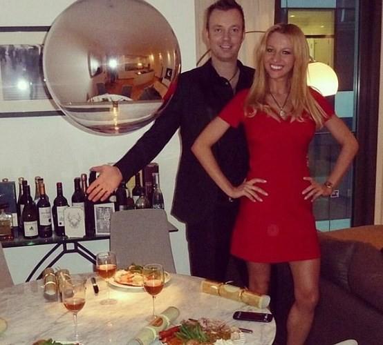 Ảnh: Cô người mẫu nóng bỏng Shapiro tố bị tình báo Nga đầu độc ở Anh - Ảnh 4.