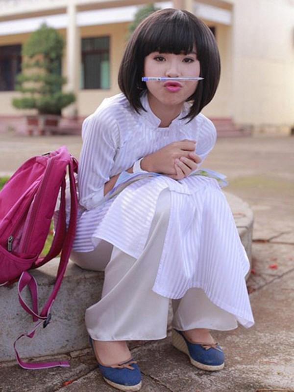 Loạt sao nổi tiếng học cùng một mái trường với Hoa hậu Việt Nam Trần Tiểu Vy - Ảnh 3.