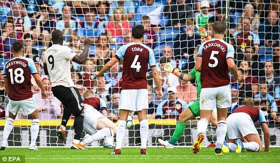 Trò cưng ra tay cứu giá, Mourinho tạm thời thoát giá treo cổ - Ảnh 3.