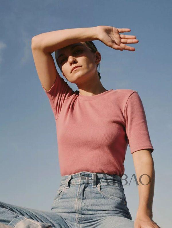 Đến cả Meghan Markle cũng mặc mẫu áo này thì bạn đủ biết nó hot thế nào trong mùa thu rồi đấy! - Ảnh 6.