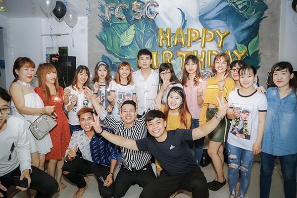 Hồ Quang Hiếu tổ chức sinh nhật cùng fan và người thân tại nhà riêng - Ảnh 7.