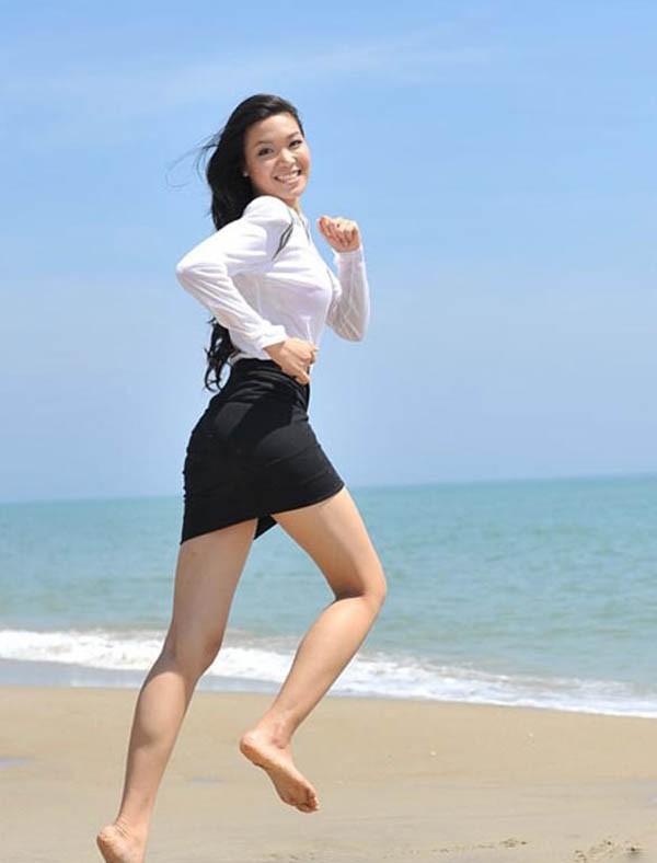 Đọ nhan sắc của 4 người đẹp đăng quang Hoa hậu Việt Nam năm 18 tuổi - Ảnh 8.