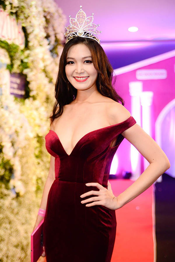 Đọ nhan sắc của 4 người đẹp đăng quang Hoa hậu Việt Nam năm 18 tuổi - Ảnh 13.