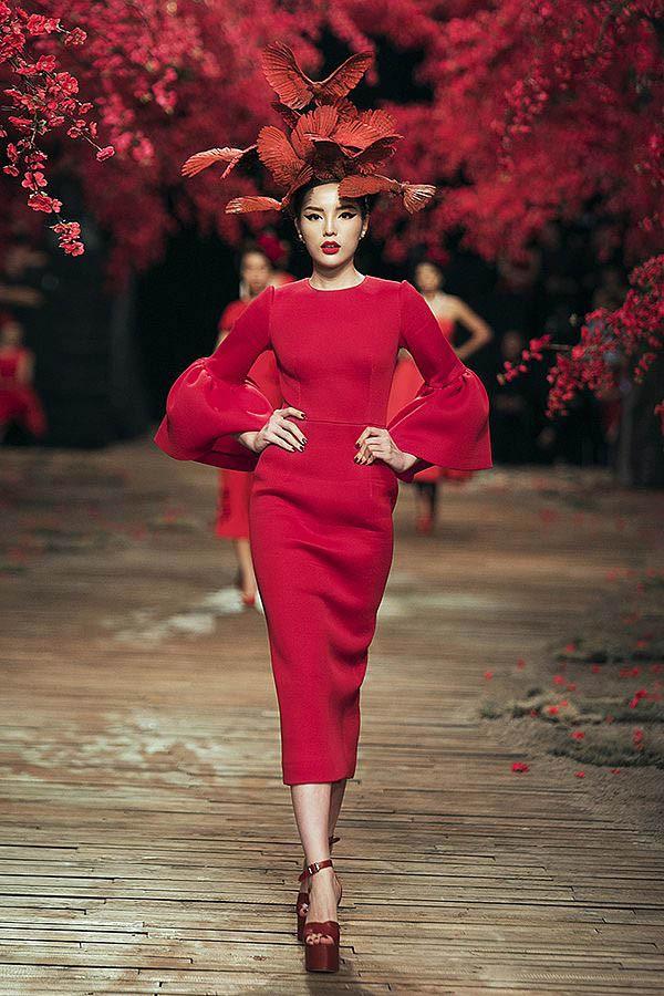 Đọ nhan sắc của 4 người đẹp đăng quang Hoa hậu Việt Nam năm 18 tuổi - Ảnh 18.