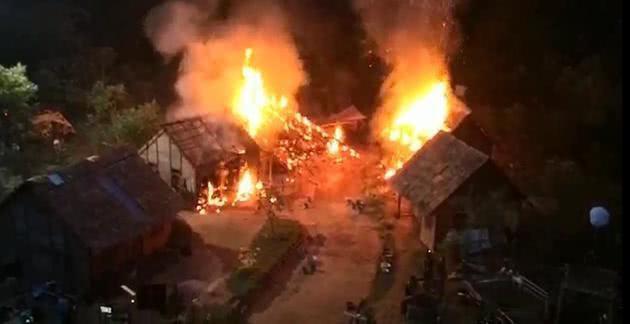 Công bố clip hỏa hoạn phim trường khiến mỹ nhân Anh Hùng Xạ Điêu bỏng nặng - Ảnh 2.