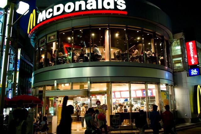 Góc nhìn thú vị lý giải thất bại của Mc Donalds và Burger King ở Việt Nam của tạp chí Mỹ: Sao phải ăn burger khi Việt Nam đã có Phở? - Ảnh 1.